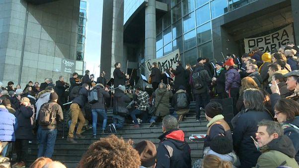 Les musiciens de l'Opéra de Paris protestent à leur façon contre la réforme des retraites