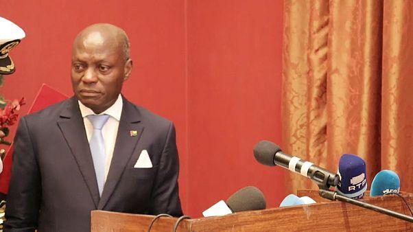 Presidente da Guiné-Bissau despede-se em lágrimas
