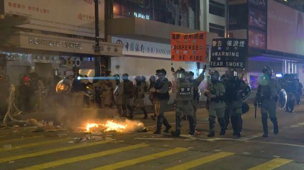 Χονγκ Κονγκ: Υποδέχτηκαν το 2020 με δακρυγόνα