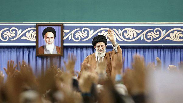 رهبر ایران: آمریکاییها دارند انتقام داعش را از حشد الشعبی میگیرند