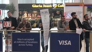 """İstanbul Havalimanı'nda """"Meeting lounge"""" dönemi: Pankartla yolcu karşılama ücrete tabi tutulacak"""