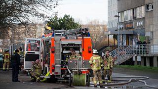 Βερολίνο: Nύχτα «κόλαση» για τους πυροσβέστες