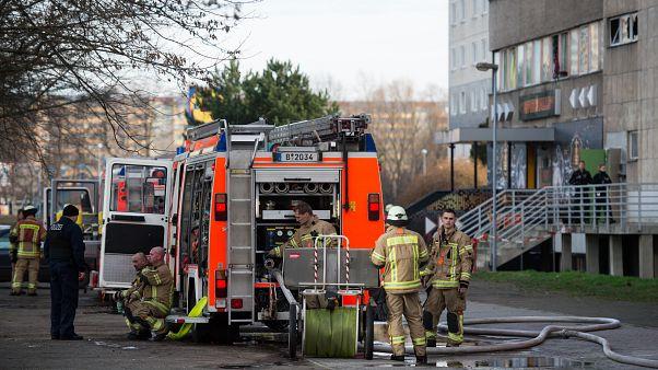"""Berlino, un altro capodanno """"turbolento"""" per polizia e vigili del fuoco"""