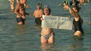 Neujahrsschwimmen zwischen Antibes und Scheveningen