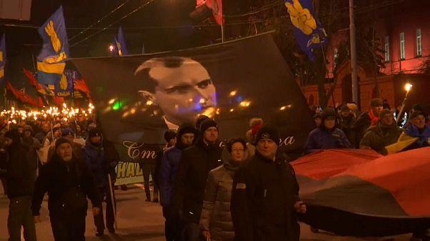 Gedenken an Bandera: Rechter Fackelzug durch Kiew