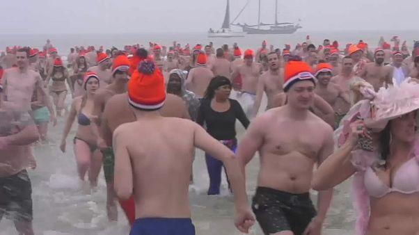 Banho de Ano Novo no Mar do Norte