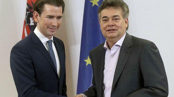 Avusturya Halk Partisi (ÖVP) lideri Sebastian Kurz (solda) ve Yeşiller Partisi lideri Werner Kogler, koalisyon hükümeti konusunda anlaştı