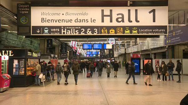 La grève contre la réforme des retraites à la SNCF enchaîne des records historiques