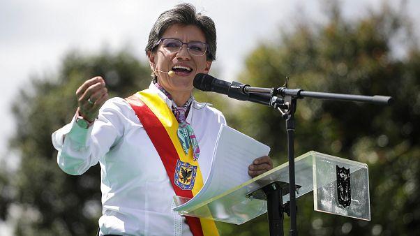 La nueva alcaldesa de Bogotá, Claudia López, pronuncia un discurso tras asumir el cargo