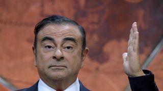 غصن استخدم أحد جوازي سفر فرنسيين يمتلكهما للهرب بحسب وسائل إعلام يابانية