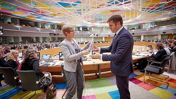 Handing of EU Council presidency from Finnish minister Krista Mikkonen to Croatian minister Tomislav Ćorić.