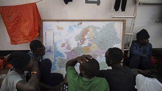 Migranti a bordo della Ocean Viking