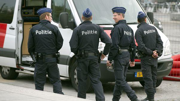 Belçika terör örgütü olarak kabul ettiği Sharia4Belgium mensubu 6 Belçikalıyı vatandaşlıktan çıkardı