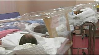 """مختبر ينظم عملية """"قرعة"""" لعلاج أطفال من مرض نادر"""