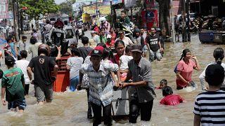 Inundaciones en Indonesia deja 20 muertos y más de 30.000 personas sin hogar