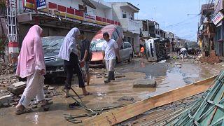 Ινδονησία: Δεκάδες νεκροί και αγνοούμενοι από τις πλημμύρες