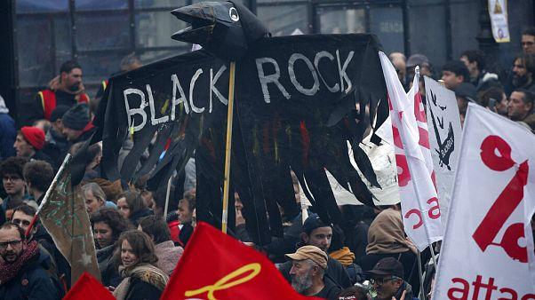 Frankreich: Empörung über Ehrenlegion für BlackRock-Chef