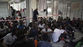 Fondos de la ONU y la UE para los migrantes en Libia terminan en manos de las milicias criminales