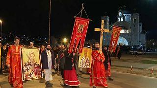 Montenegro: Tausende protestieren gegen neues Kirchengesetz
