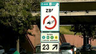 Barcelona limita entrada de veículos poluentes
