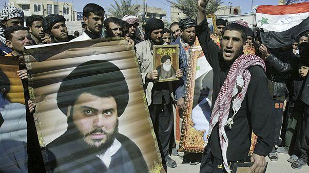 Irak'ın Kufe kentinde Mukteda el Sadr taraftarları