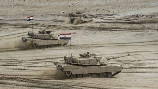Mısır ordusuna ait tanklar