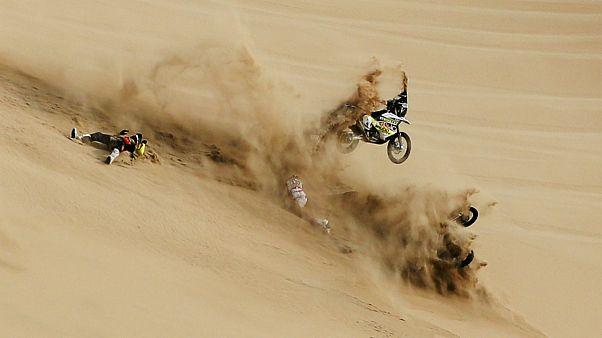 """A aventura do """"Dakar"""" muda-se este ano para o deserto saudita"""