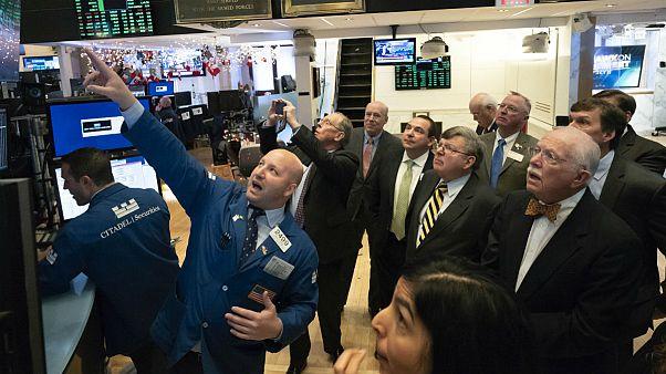 واکنش بازار به کشته شدن سلیمانی؛ جهش قیمت نفت و طلا و وضعیت قرمز در بازارهای سهام