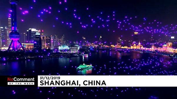 Shanghái sustituye los fuegos artificiales por drones para recibir 2020