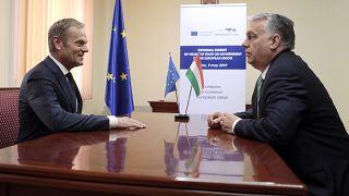 Tusk megkapta a jelentést a Fideszről