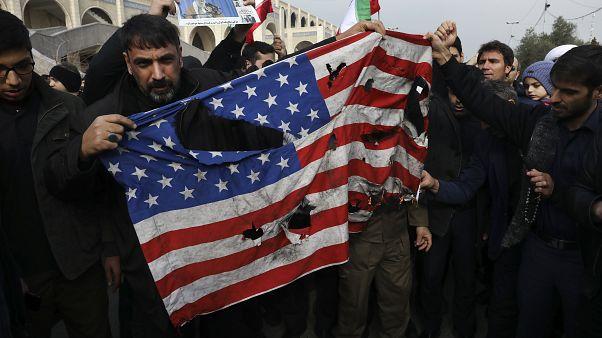 Ιράν - ΗΠΑ: Το ιστορικό μιας θυελλώδους σχέσης