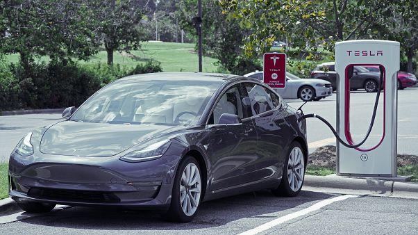 Türkiye'ye Supercharger'lar geliyor: Tesla 10 ayrı noktada hızlı şarj istasyonu kuracak