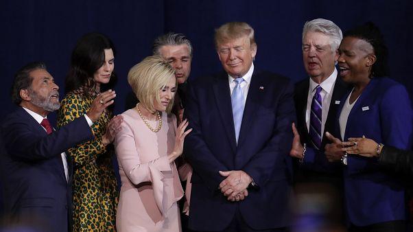 من التجمع الانتخابي مع الإنجيليين أمس في فلوريدا