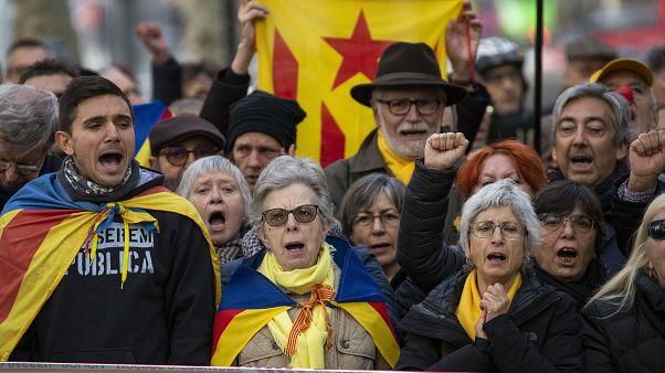 Catalogna, il presidente Torra ricorre contro la destituzione