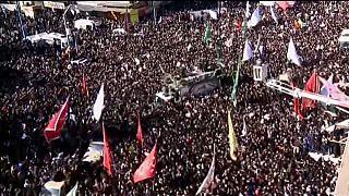 Milhares prestam última homenagem a Soleimani no Irão