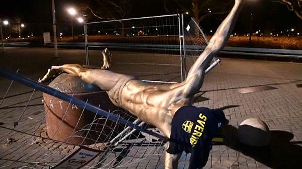 Ledöntötték Ibrahimovic szobrát