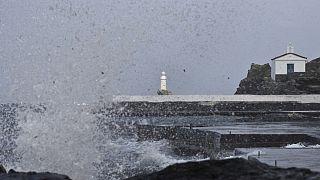 «Ηφαιστίων»: Χιόνια, άνεμοι και προβλήματα σε όλη τη χώρα