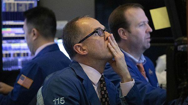 سایه جنگ بر بازارهای مالی؛ رکوردزنی نفت و طلا همزمان با افول سهام
