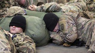 فريق من المظليين في الجيش الأمريكي في  منطقة عمليات القيادة المركزية الأمريكية  فورت براج في كارولاينا الشمالية، السبت 4 يناير 2020