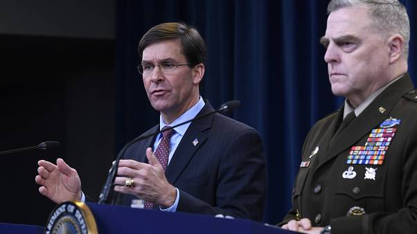مارک اسپر، وزیر دفاع در کنار مارک میلی، رئيس ستاد مشترک ارتش آمریکا در پنتاگون