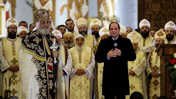 السيسي والبابا تواضروس في قداس كنيسة ميلاد المسيح