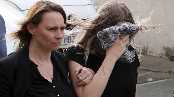 Die Britin und ihre Mutter auf dem Weg zur Urteilsverkündung