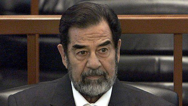 صدام حسين خلال جلسات محاكمته قبل إعدامه عام 2006