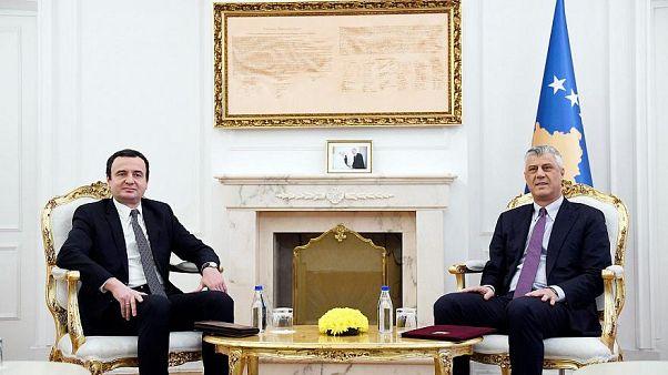 Linksnationalist Albin Kurti und Präsident Hashin Thaçi