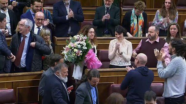 Ovación al gesto de Aina Vidal