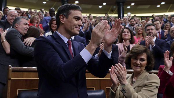 «Si» με έντονη αμφισβήτηση στη νέα κυβέρνηση συνεργασίας της Ισπανίας
