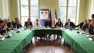 Fransa'da hükümet ve sendika temsilcileri bir araya geldi