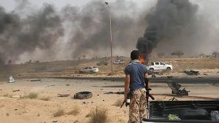 Agravam-se os combates na Líbia