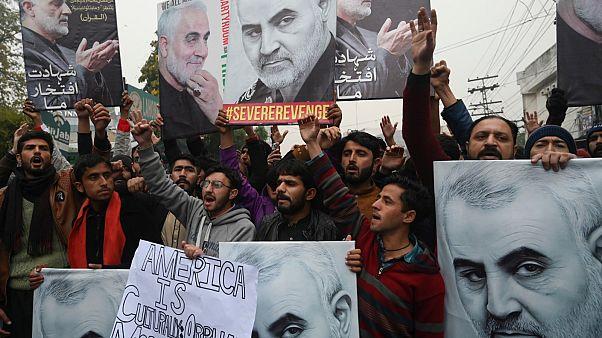 قائد فيلق القدس المغتال سليماني .. تخطى الانقسامات وحصد شعبية قياسية في إيران