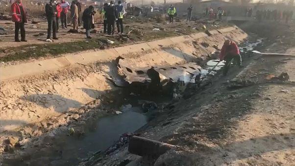 Restos del Boeing ucraniano tras estrellarse en Irán